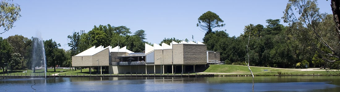 Benalla lake and art gallery